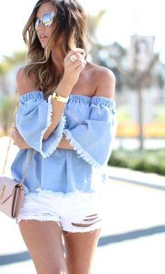 Look Blusa Ombro a Ombro + Short