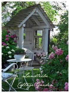 Cottage-Garden: garden shed Farm Gardens, Outdoor Gardens, Amazing Gardens, Beautiful Gardens, Garden Structures, Outdoor Structures, Farmhouse Garden, She Sheds, Garden Spaces