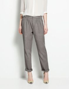 These look so comfy. Like mom-comfy. Elasticated waist trousers from Zara.