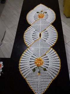 Shell-shaped Table Centrepiece Free Pattern-Digram and Video Tutorial Crochet Bedspread, Crochet Motif, Crochet Doilies, Crochet Stitches, Crochet Patterns, Crochet Table Runner, Crochet Tablecloth, Corner To Corner Crochet, Crochet Decoration