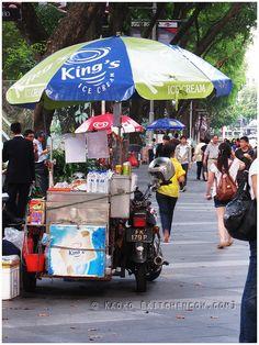 Singapore Street Food: Ice Cream Sandwiches