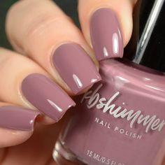 Semi-permanent varnish, false nails, patches: which manicure to choose? - My Nails Mauve Nails, Rose Nails, Neutral Nails, Dusty Pink Nails, White Nails, Pink Shellac Nails, Flower Nails, Nail Colors For Pale Skin, Nail Polish Colors