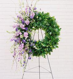 Funeral Floral Arrangements, Large Flower Arrangements, Types Of Flowers, Silk Flowers, Flowers Australia, Flower Room Decor, Funeral Sprays, Casket Sprays, Online Florist