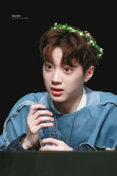 Discovered by Find images and videos about wanna one, produce 101 and lai guanlin on We Heart It - the app to get lost in what you love. Produce 101, Love 020, Rapper, All Meme, Guan Lin, Lai Guanlin, People Fall In Love, Ong Seongwoo, Kim Jaehwan