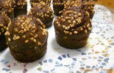 I muffin al cioccolato e mandorle sono dei dolcetti davvero deliziosi e golosi. Cioccolato e mandorle è uno degli abbinamenti più golosi che ci sia..