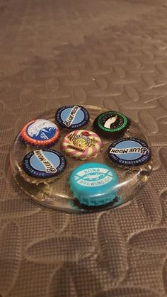 How to make a personalized epoxy resin coaster: 9 steps (with . - Epoxy Ideas - How to make a personalized epoxy coaster: 9 steps (with pictures) – DIY Gift Ideas – - Coaster Crafts, Diy Coasters, Custom Coasters, Epoxy Resin Art, Resin Molds, Diy Epoxy, Silicone Molds, Bottle Cap Coasters, Bottle Caps