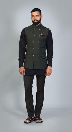 Choosing the right Groomswear is an important decision for the stylish Groom. We are offering designer & stylish Groomwear in Noida, Delhi NCR & California. Indian Groom Wear, Indian Wear, Mens Kurta Designs, Nehru Jackets, Men Wear, Suit And Tie, Wedding Wear, Formal Wear, Mens Suits