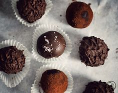 Recipe for delicious Irish whiskey balls. The perfect treat for in between . Fudge, Whisky Tasting, Irish Whiskey, Recipes From Heaven, Biscotti, Baking Recipes, Muffin, Sweets, Chocolate
