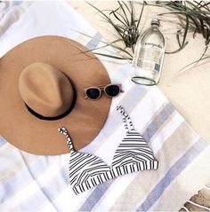 Beach flatlay | summer hat