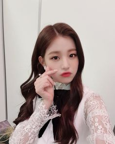 (Credits to the real owner/s) Kpop Girl Groups, Kpop Girls, Yuri, Korean Girl, Asian Girl, Beautiful Young Lady, Woo Young, Japanese Girl Group, Mode Streetwear