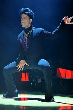Prince Welcome 2 Australia Tour - Sydney - May 11, 2012-my my age 54-still looking sexy!!