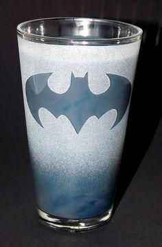 Frosted Batman Logo Etched Pint Glass I Am Batman, Batman Logo, Comic Clothes, Pint Glass, Random Things, Frost, Dc Comics, Greek, Creativity