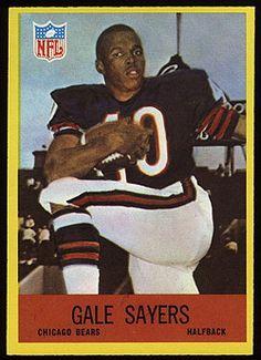 1967 Philadelphia Gale Sayers Football Card for sale online Bears Football, Nfl Chicago Bears, Football Players, Football Trading Cards, Football Cards, School Football, Upper Deck Baseball Cards, Gale Sayers, Philadelphia Football