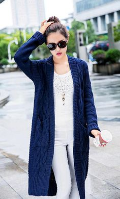 Saving for color ideas Crochet Cardigan Pattern, Crochet Jacket, Knit Jacket, Knitted Coat, Hand Knitted Sweaters, Long Sweaters, Knitwear Fashion, Cardigans For Women, Glamour