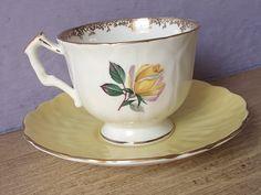Vintage 1950's yellow rose tea cup Aynsley