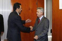 Agnelo vai entregar governo com rombo de R$ 3,8 bilhões nas contas públicas - http://noticiasembrasilia.com.br/noticias-distrito-federal-cidade-brasilia/2014/12/13/agnelo-vai-entregar-governo-com-rombo-de-r-38-bilhoes-nas-contas-publicas/