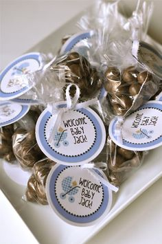 {TUTORIAL} easy baby shower favors - Creative Juice