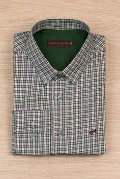 Camisa micro xadrez verde. Disponível em contofigueira.com.br