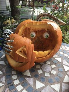 39 Chic Scary Pumpkin Carving Ideas for Halloween This Year Awesome . 39 Chic Scary Pumpkin Carving Ideas For Halloween In This Year Awesom. 39 Chic Scary Pumpkin Carving Ideas For Halloween In This Year Awesome 39 Chic Happy Halloween, Halloween Tags, Halloween Projects, Diy Halloween Decorations, Halloween 2019, Holidays Halloween, Halloween Party, Chic Halloween, Halloween Pumkin Ideas