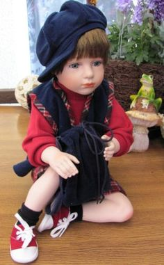 'JOHNNY' by GLORIA LIVY. ANNABELL COLLECTION PORCELAIN DOLL.