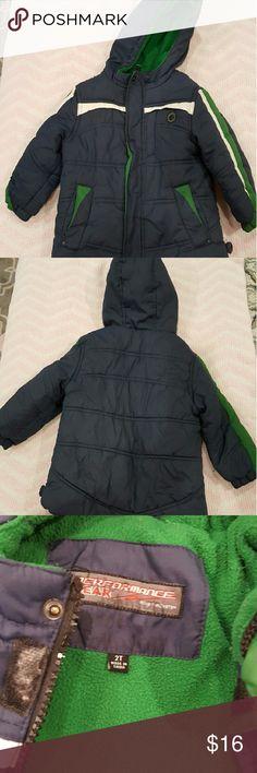 Performance Gear 2T Boys winter coat Great condition Performance Gear 2T Boys winter coat. Fits 2T to a 3T Performance Gear  Jackets & Coats Puffers
