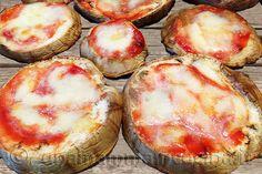 Oggi facciamo le pizzette di melanzane. Non sono fritte ma cotte solamente nel forno. Sono buonissime!!! - http://www.unamammaincucina.it/ricette/parmigiana-di-melanzane-al-forno-pizzette-di-melanzane/