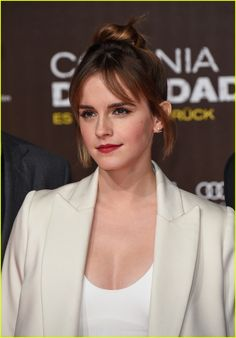 Emma Watson Shows Off New Bangs at 'Colonia' Premiere!: Photo #3569762. Emma Watson attends the premiere of her movie Colonia on Friday (February 5) at Potsdamer Platz in Berlin, Germany.     The 25-year-old actress and UN goodwill ambassador…