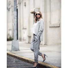 Monochromatic in Anine Bing sweater, Topshop pants & Manolo Blahnik suede pumps Brooklyn Blonde, Grey Fashion, Winter Fashion, Fashion Design, Fashion Trends, Fall Winter Outfits, Summer Outfits, Winter Style, Street Chic