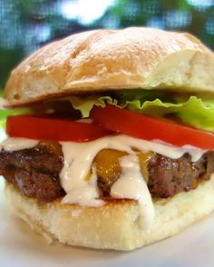 Buffalo Style Burgers - buffalo sauce and Ranch mixed into the meat. Burger Recipes, Grilling Recipes, Beef Recipes, Cooking Recipes, Recipies, Beef Meals, Savoury Recipes, What's Cooking, Buffalo Burgers