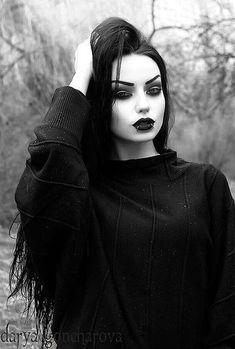 Dark Romance: 24 Gothic Wedding Dresses ★ See more: Wedding Dress … Dark Fashion, Gothic Fashion, Fashion Beauty, Emo Fashion, Steampunk Fashion, Latex Fashion, Goth Beauty, Dark Beauty, Gothic Girls
