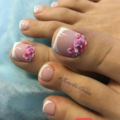 Manicure e pedicure, french pedicure, pedicure designs, toe nail designs, p Pretty Toe Nails, Cute Toe Nails, Gorgeous Nails, Pedicure Nail Art, Toe Nail Art, Pedicure Ideas, Nail Ideas, French Nails, Summer Toe Nails