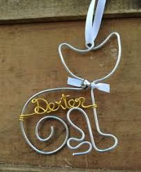 Wire cat ornament with bow