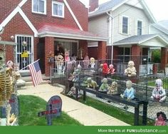 A lot of nice options plus advice for your Trick or treat patio designing to make this Halloween party the very best ever. Come to get several cool creepy halloween decor suggestions on this site. Zombie Halloween Decorations, Fete Halloween, Halloween Displays, Halloween Doll, Creepy Halloween, Outdoor Halloween, Vintage Halloween, Halloween Ideas, Halloween Stuff