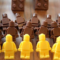 Danz Family: Chocolate Lego Bricks and Star Wars Minifigures
