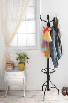 Coat rack for entry way