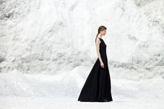 ruins of modernity - classic ball gown photography Verena Mandragora - really divine! Minimalist Fashion, Ball Gowns, Formal Dresses, Classic, Photography, Fashion Design, Women, Ball Gown Dresses, Formal Gowns