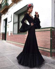 spanish style architecture homes Mexican Fashion, Spanish Fashion, Oriental Fashion, Spanish Dress, Spanish Style, Evening Gowns With Sleeves, Evening Dresses, Mode Outfits, Fashion Outfits