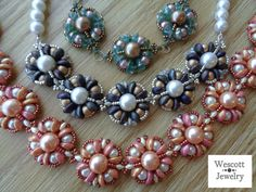 Pattern for Peony Necklace with Piggy Beads and SuperDuos