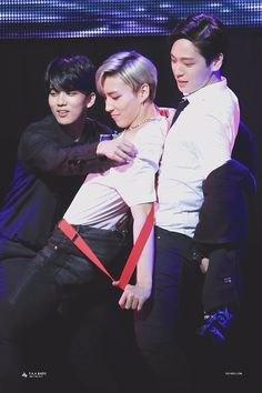 Youngjae, Jongup, Himchan what are you guys doing?!