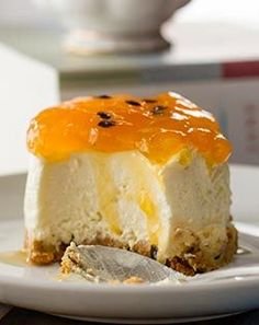 Granadilla Fridge Tart I think this is passion fruit Tart Recipes, Baking Recipes, Dessert Recipes, African Dessert, South African Recipes, Bread Cake, Sweet Tarts, No Bake Treats, Sweet Desserts