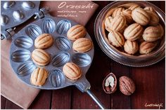 Peanuts stuffed with cream michałkowym Cooking Cookies, Polish Recipes, Party Treats, Holiday Baking, Macaroons, Nutella, Baked Goods, Almond, Sweet Treats