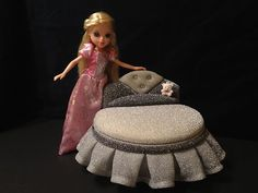 Barbie Dollhouse Furniture or Monster High Diamond Round Bed (Pink or Silver)