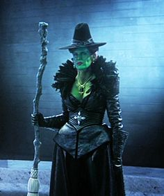 """The Wicked Witch in """"A Curious Thing"""". Wicked Costumes, Witch Costumes, Disney Fashion, Fashion Tv, Evil Queen Quotes, Evil Queen Costume, Steampunk Witch, Fantasy Witch, Once Up A Time"""