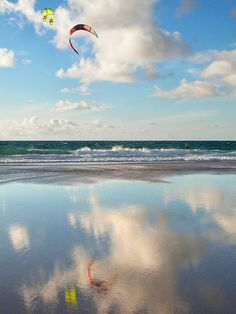 Kitesurfing in Praia do Guincho   Cascais  Portugal