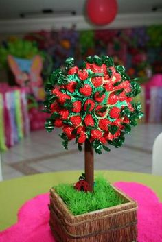 Red Riding Hood Party, Strawberry Shortcake Birthday, Snow White Birthday, Sweet Trees, Masha And The Bear, Bear Party, Candy Bouquet, 2nd Birthday Parties, Holidays And Events