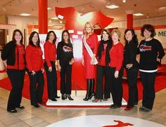 Mrs. International 2010, Shannon Devine with survivors at the National Wear Red Day event in NYC!