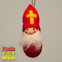 Vandaag was de dag waar de kids al weken naar hebben uitgekeken. Sinterklaas is in het land! Ons huis was al een beetje in Sinterklaasstem...