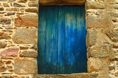 Just a simple Blue Window by AndriaMamy