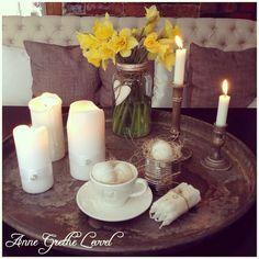 Ble spurt av flinke @linda.antonsen.16 om hva jeg hadde gjort i dag Ikke stort, bare det helt nødvendige Vil @bolettebo og @annpihl fortelle hva dere har gjort i dag? Hvis tid og lyst selvfølgelig #lysfat#påske#påskepynt#påskeegg#easter#eastereggs#påskeliljer#candles#spisesofa#kopp#cup#norgesglass#iblaursen#diamonds#diamanter#hjerte#heart#norgesglasset#egg#eggs Candles, Display, Bar, Table Decorations, Instagram, Home Decor, Floor Space, Decoration Home, Billboard