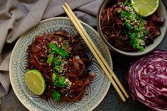 Delicious blog: Soba nudle se zelím a hříbky Delicious Blog, Japchae, Beef, Ethnic Recipes, Food, Meat, Essen, Meals, Yemek